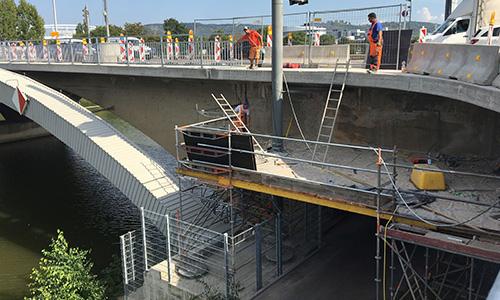 Sanierungsarbeiten an einer Brücke